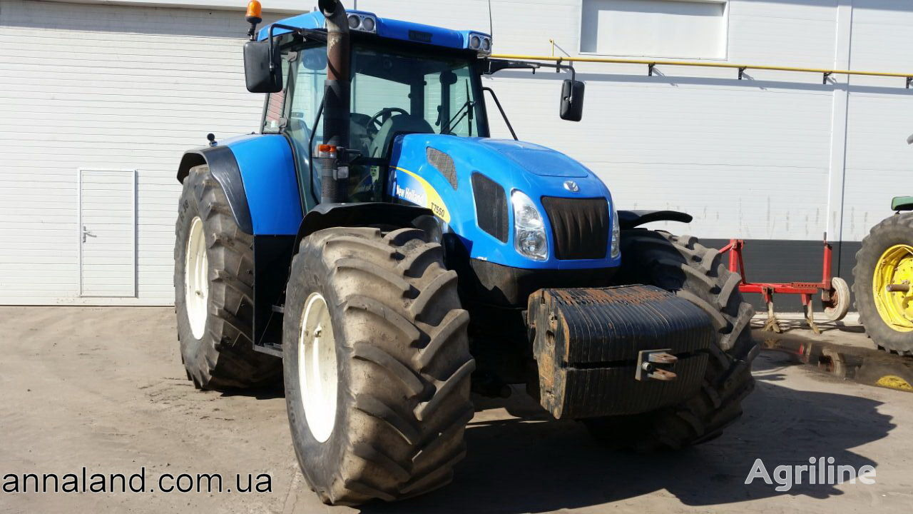 ratastraktor NEW HOLLAND T7550
