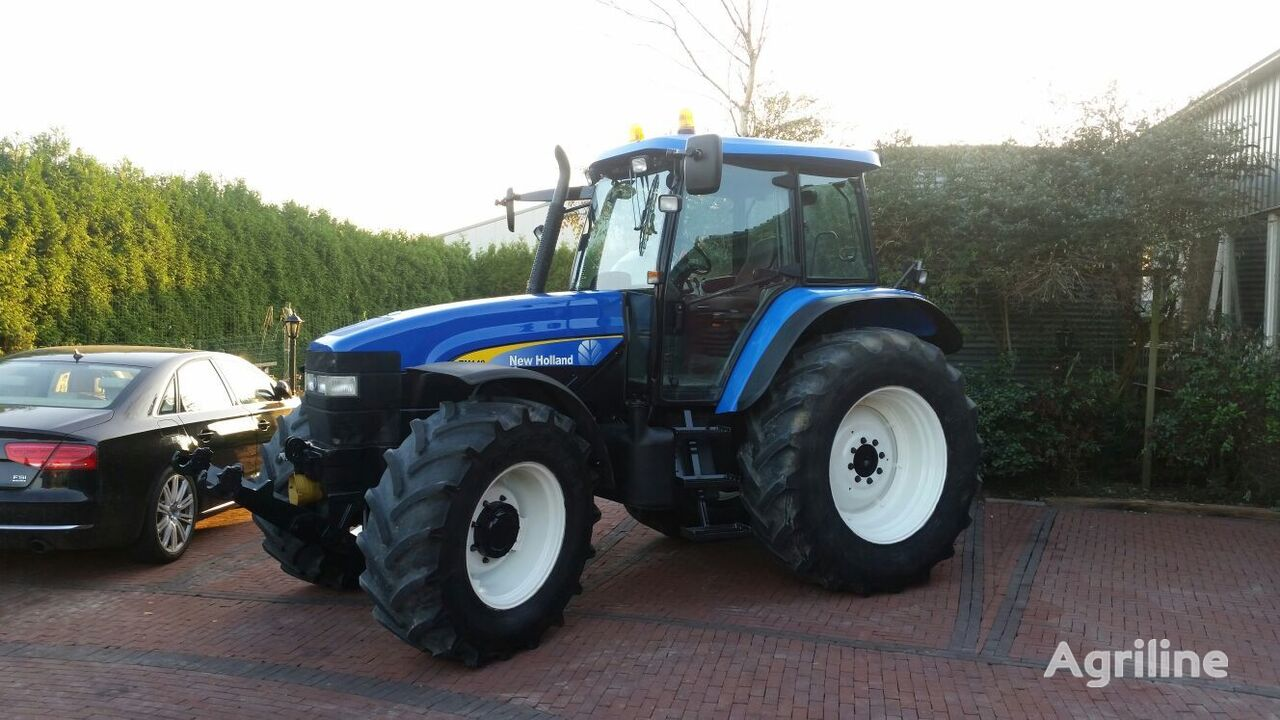 ratastraktor NEW HOLLAND TM140