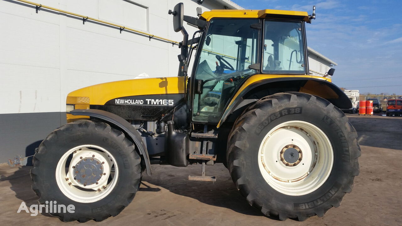 ratastraktor NEW HOLLAND TM165