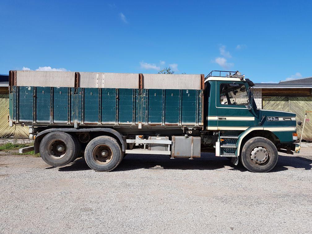kallur veoauto SCANIA T143 6x2 tipper+ ropson (6x4)