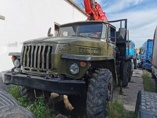 metsaveok veoauto URAL HYAB
