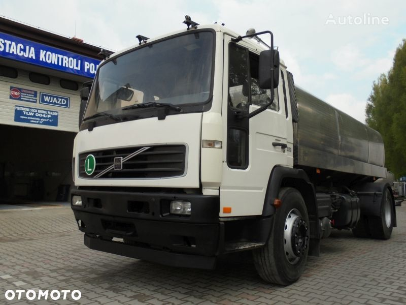 piimaauto VOLVO FL220