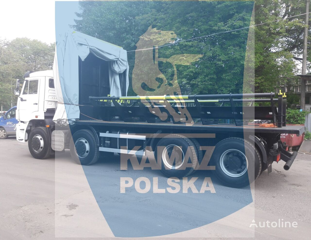 uus platform veoauto KAMAZ 8x4 for transporting steel coils