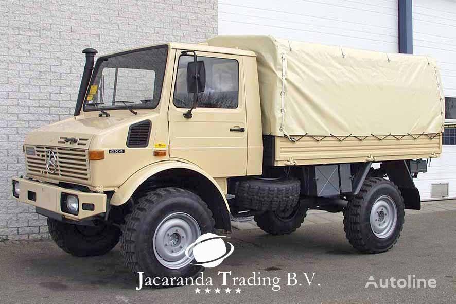 tent veoauto MERCEDES-BENZ UNIMOG 1300